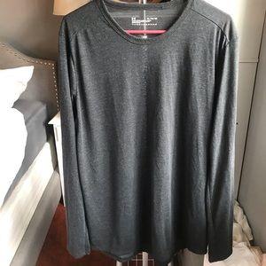 Men's xl Under Armour shirt!